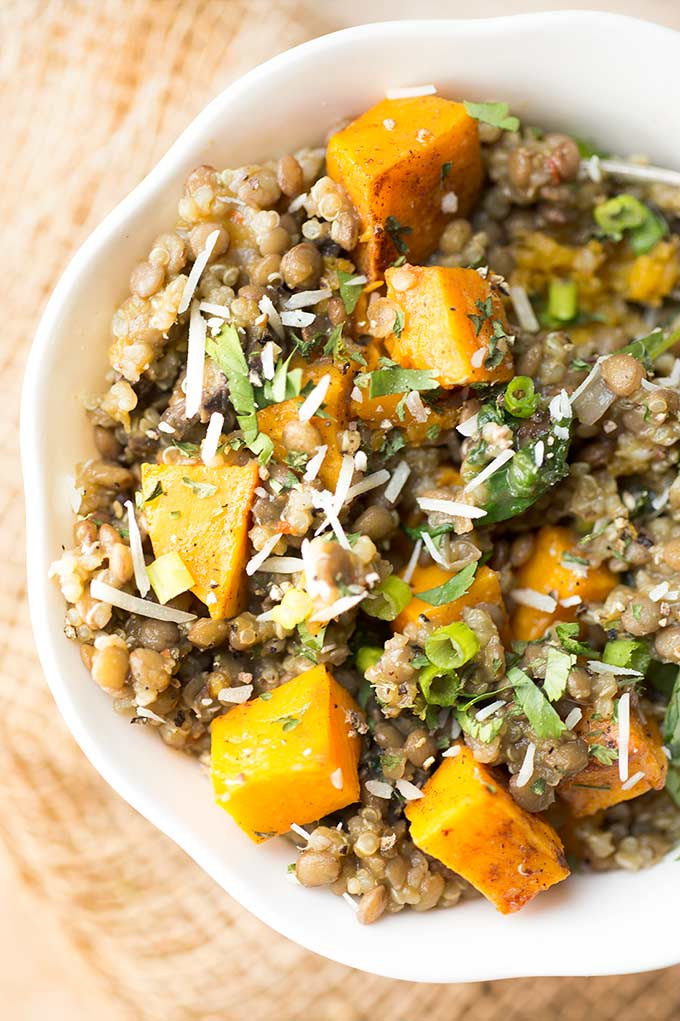 Lentils and Quinoa Power Bowl - a one-pot meal, packed with superfoods like spinach and quinoa. Hearty, easy to make and delicious! Gluten and dairy free.