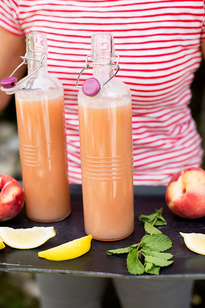 Peachy Lemonade: The taste of fresh peaches, combined with lemon, mint and a touch of sugar, makes the perfect refreshing drink!