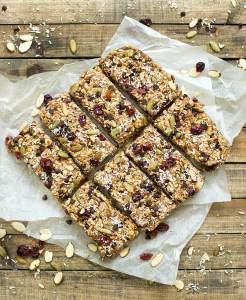 Trail Mix Bars - homemade granola bars made from oats, dried fruit, nuts and chocolate and sweetened with honey! A healthy alternative to store-bought bars.