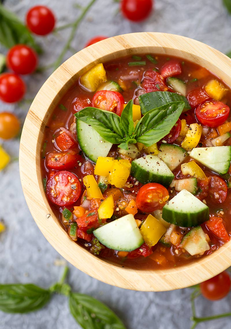Quick and Easy Gazpacho Dip: Garden veggies like tomatoes, cucumbers, peppers and onion combined to create a versatile, super healthy dip!