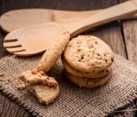 apricot and chocolate chip cookies