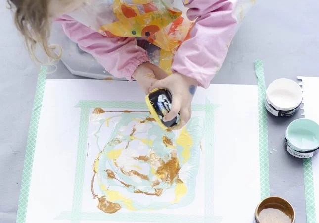 kids-painting-idea-pour-and-press