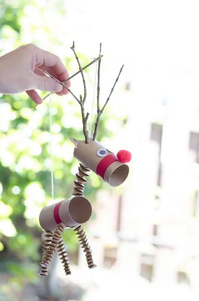 reindeer_marionette_play
