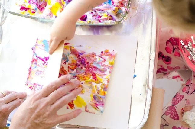 marbling-effect-with-shaving-cream4