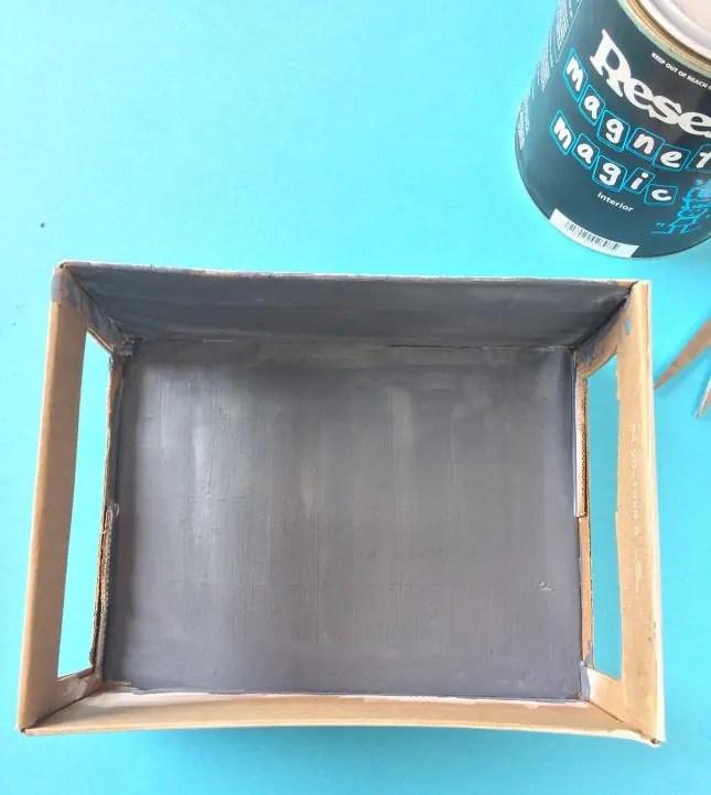 Shoebox puppet show Magnet magic paint