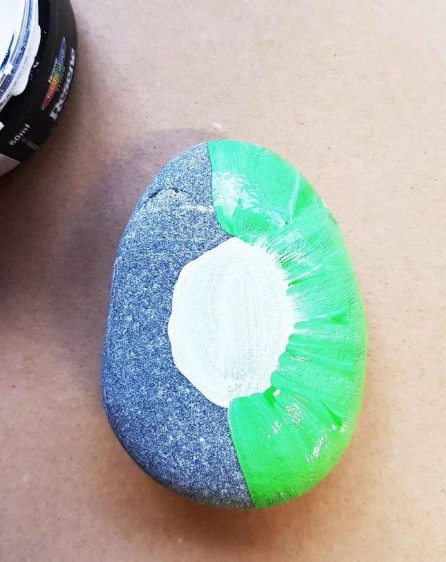 How to make Painted stones - Fruit characters green
