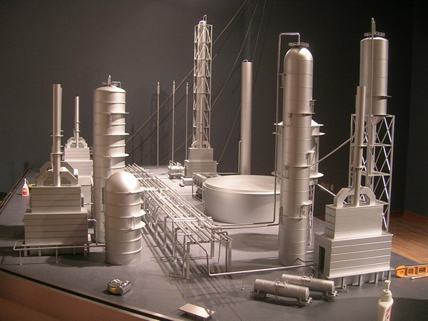 https://i2.wp.com/www.kiwimill.com/wp-content/uploads/2012/09/refinery-model-1.jpg