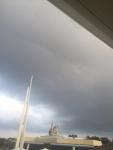 雲行きが怪しい…