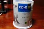 TDK データ用CD-R 700MB 48倍速対応 ホワイトワイドプリンタブル 100枚スピンドル CD-R80PWDX100PE、キター!