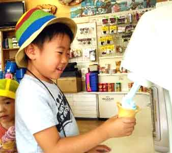 木崎湖モダンボートソフトクリーム
