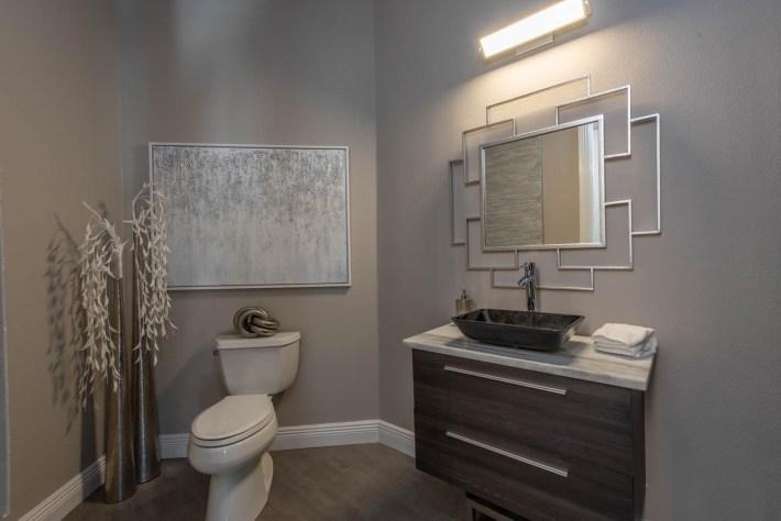 Transitional Bathroom Interior Design 03