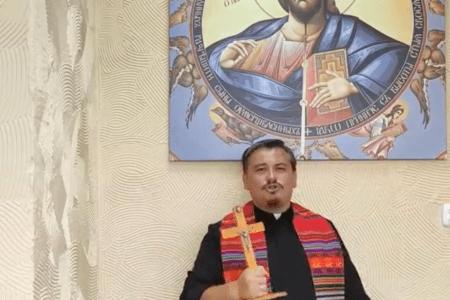 Jestem kapłanem a krzyż jest moim orężem .