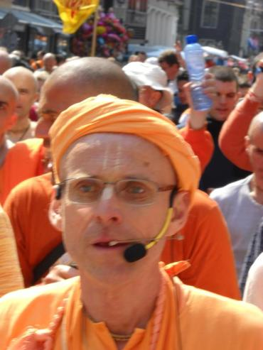 Close up Kadamba Kanana Swami Queensday Amsterdam Harinam 2011