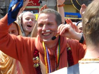 Smiling SNS Queensday Amsterdam Harinam 2011