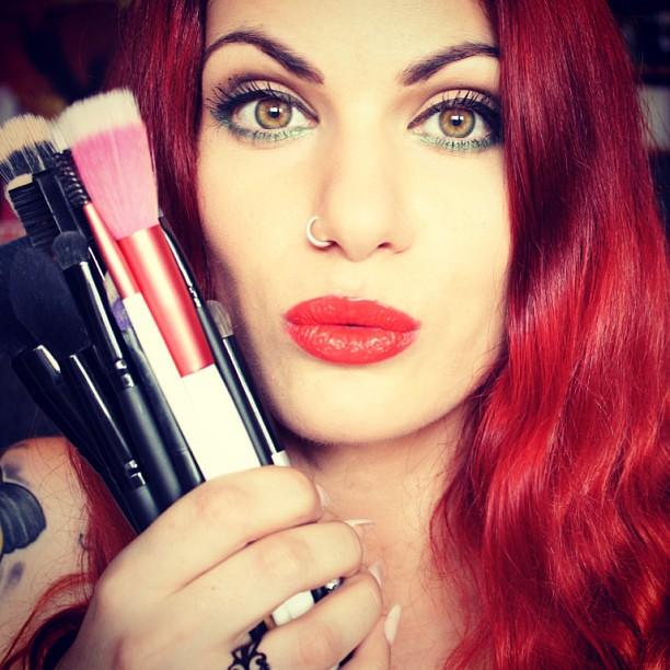 Τα πάντα για τα πινέλα του μακιγιάζ μου (by Vana)