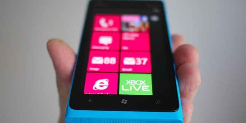 فيديو يظهر قوة وصلابة شاشة Nokia Lumia 900
