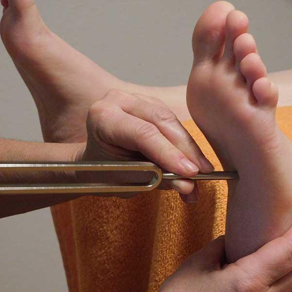 Fußbehandlung genießen mit Stimmgabel
