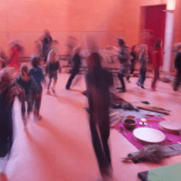 bewegende kinderen intrumenten zaal
