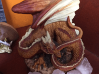 Beeld van een Draak Aardekleuren Arangast uit Enchantica draken collectie