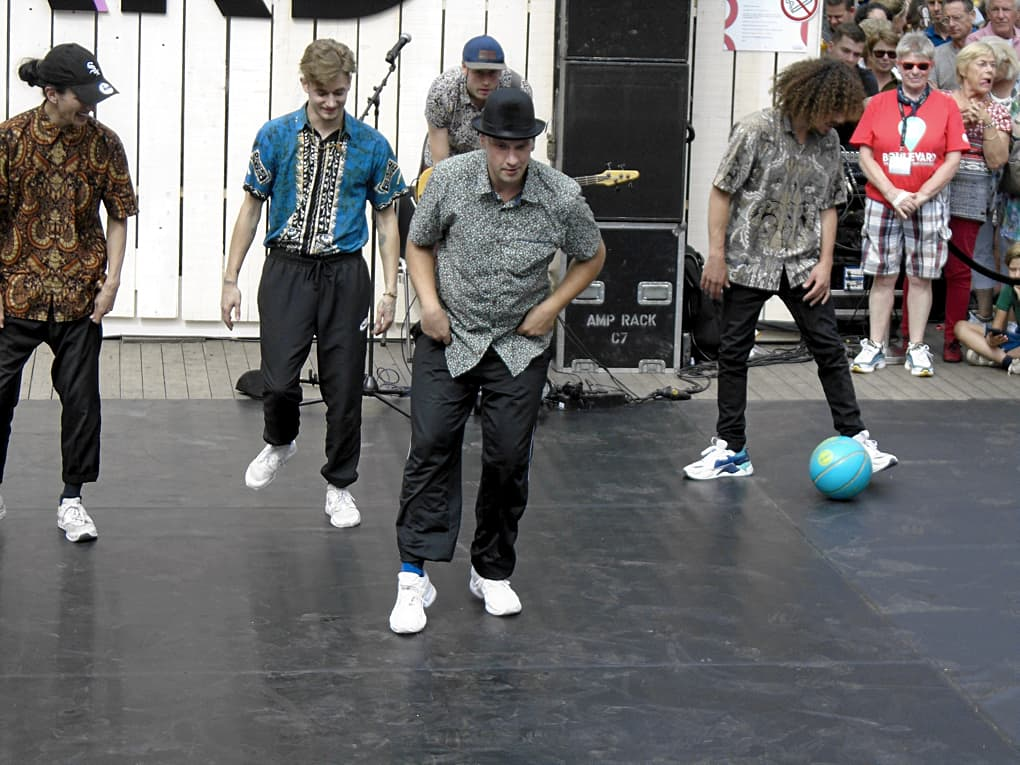 Urban dancers