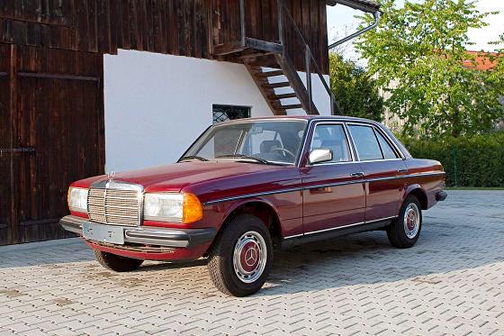 Bu da Şaka Değil, Sadece 30 Km'de 1985 Mercedes-Benz W123 240 Dizelin Hikayesi.