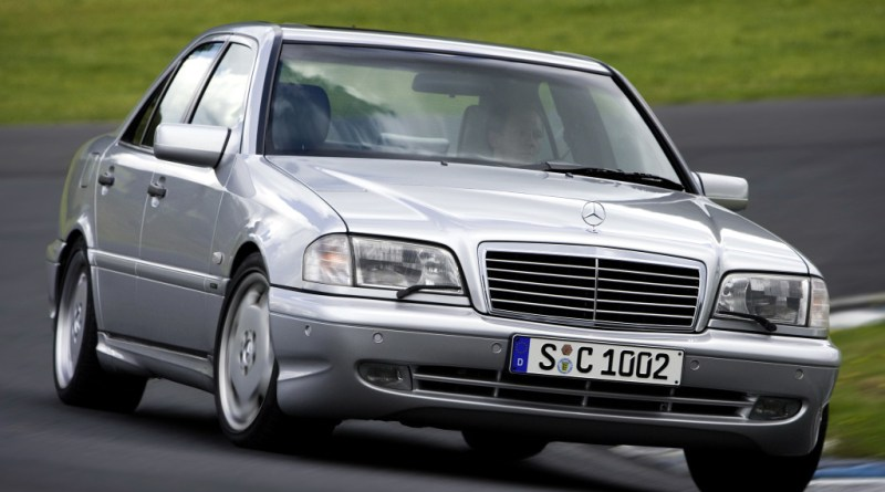 W202 Mercedes-Benz Tarihçesi C Serisinin Doğuşu