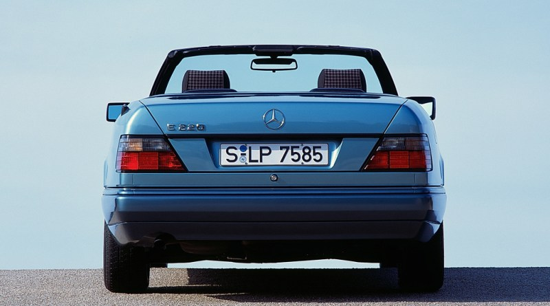 W124 Mercedes-Benz E 220 Rehberi