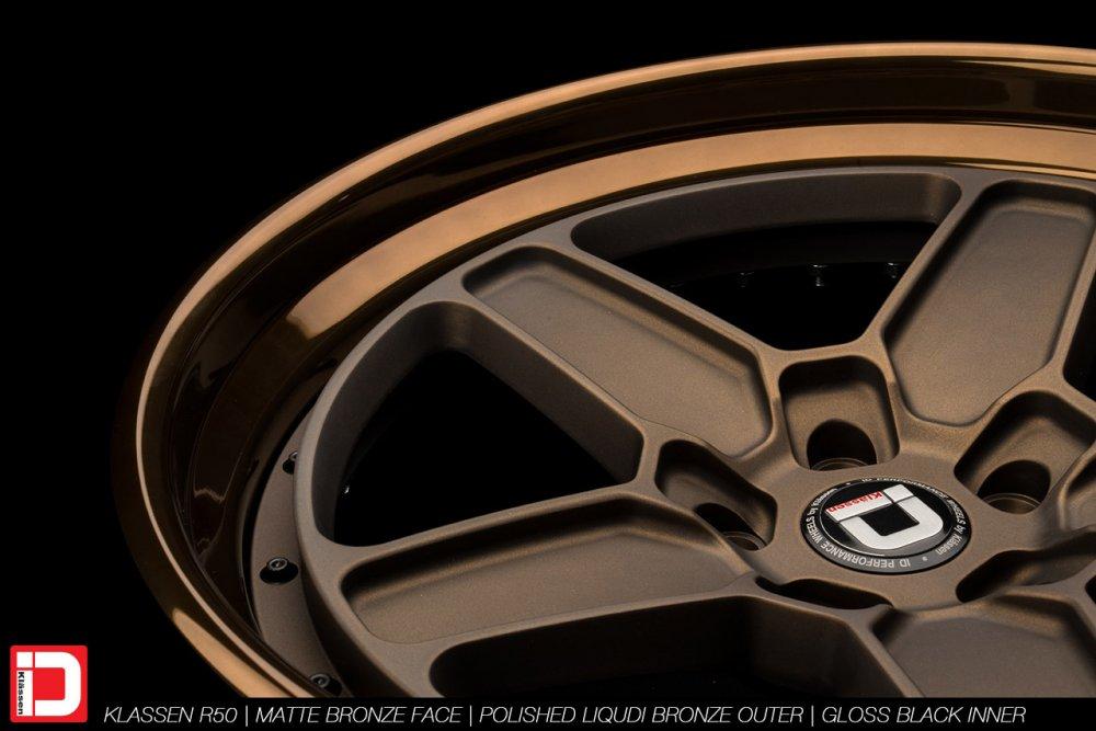 klassenid-wheels-r50-matte-bronze-face-polished-liquid-bronze-lip-gloss-black-hardware-18