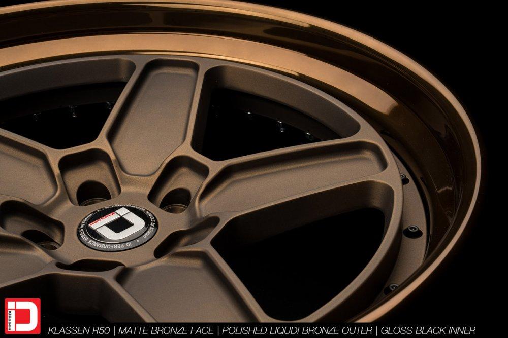 klassenid-wheels-r50-matte-bronze-face-polished-liquid-bronze-lip-gloss-black-hardware-19