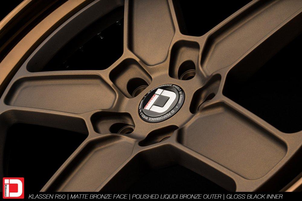 klassenid-wheels-r50-matte-bronze-face-polished-liquid-bronze-lip-gloss-black-hardware-20