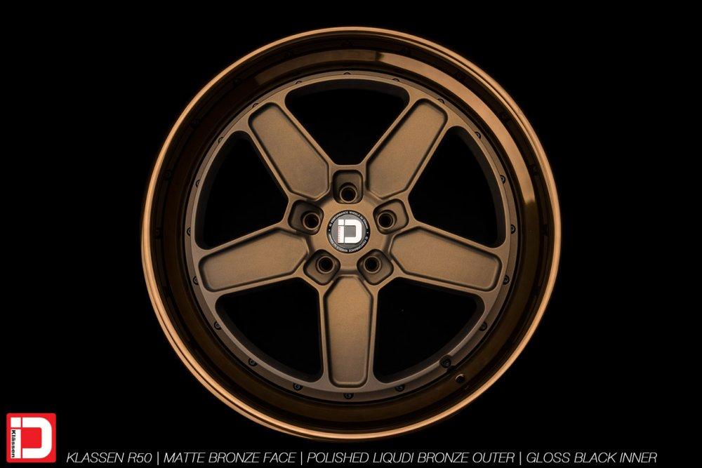 klassenid-wheels-r50-matte-bronze-face-polished-liquid-bronze-lip-gloss-black-hardware-6