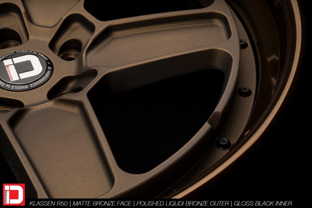 klassenid-wheels-r50-matte-bronze-face-polished-liquid-bronze-lip-gloss-black-hardware-7