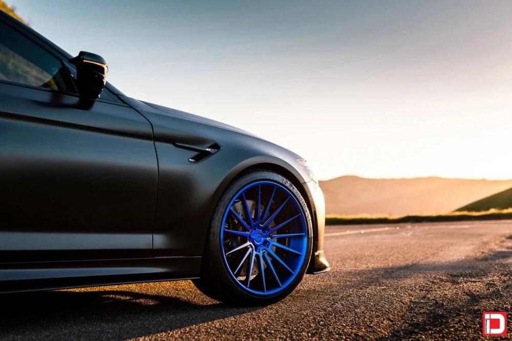 BMW F90 M5 – KlasseniD Wheels CR5S – Brushed Electron Blue with Gloss Black Windows