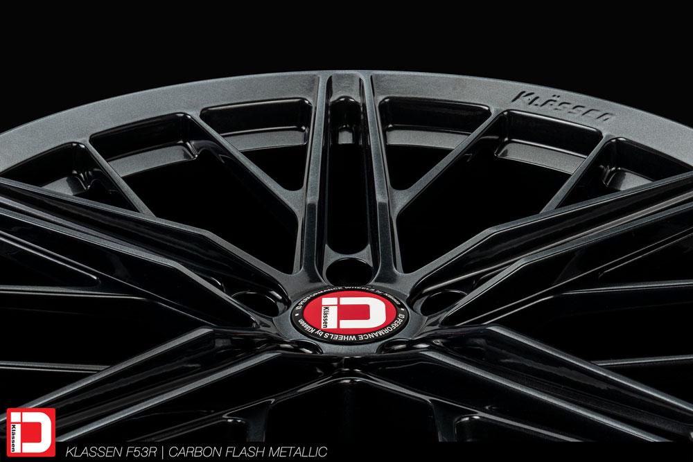 KlasseniD F53R custom finished to the C8 Corvette Carbon Flash Metallic finish.