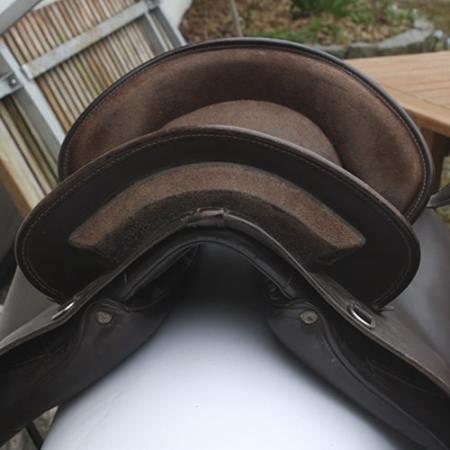 Barock sadel fra Deuber & Co.