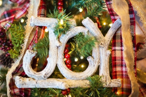 Cheap Christmas Decorations to Make your Home Look Festive and Inviting - klaudiascorner.net©