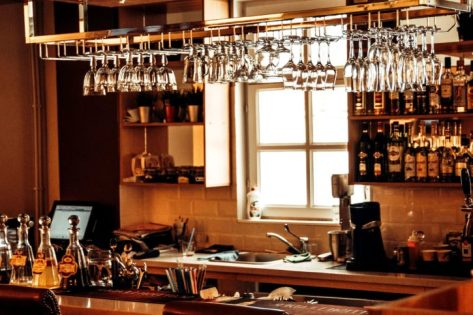 Cool Home Bar Ideas For a Stylish Home - klaudiascorner.net