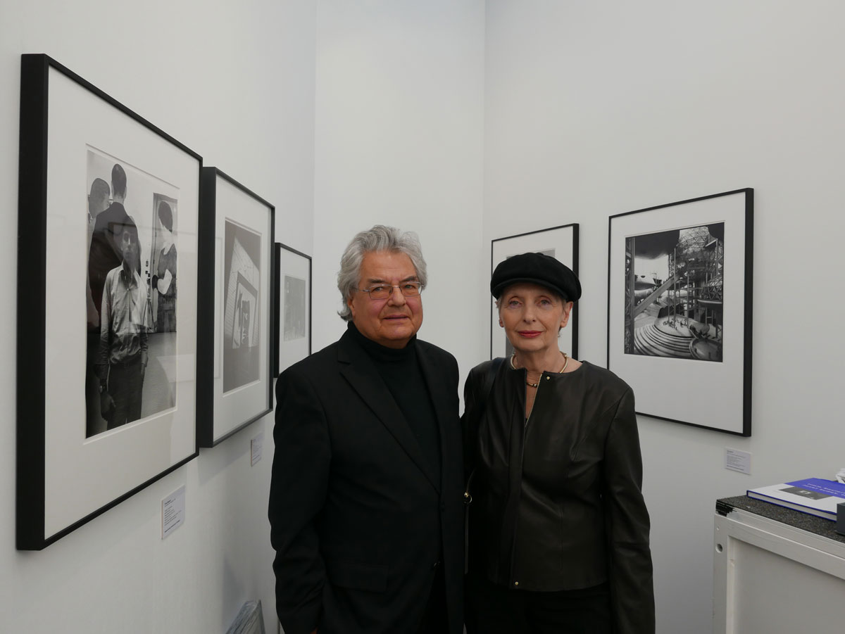 Klaus Honnef und Gabriele Honnef-Harling auf der Paris Photo, 2015 (Foto: Anna Gripp)