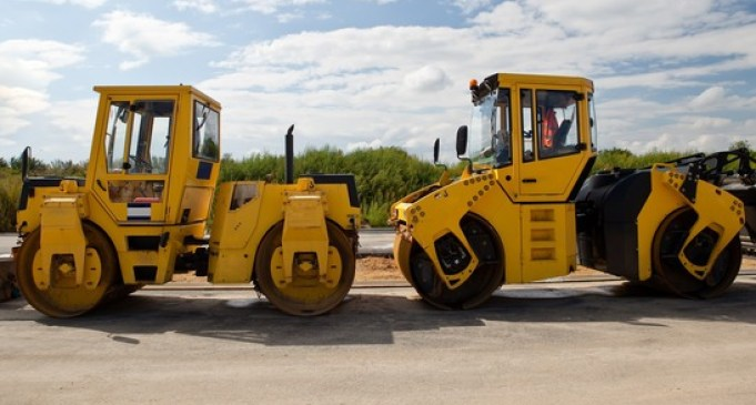 Clutch and transmission services and parts for machines in the construction industry.