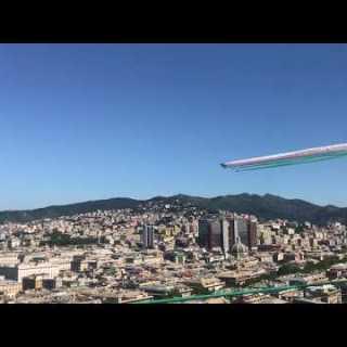 fotografia passaggio freccia tricolori su Genova