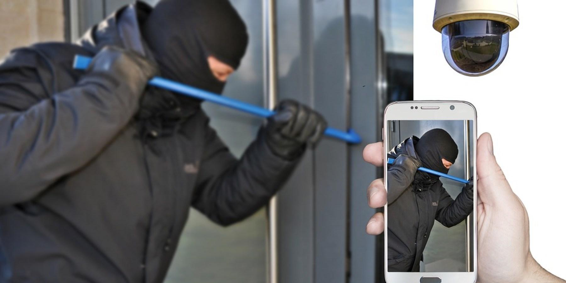 Tür nur ins Schloss gezogen – Einbrecher nutzen Gelegenheit