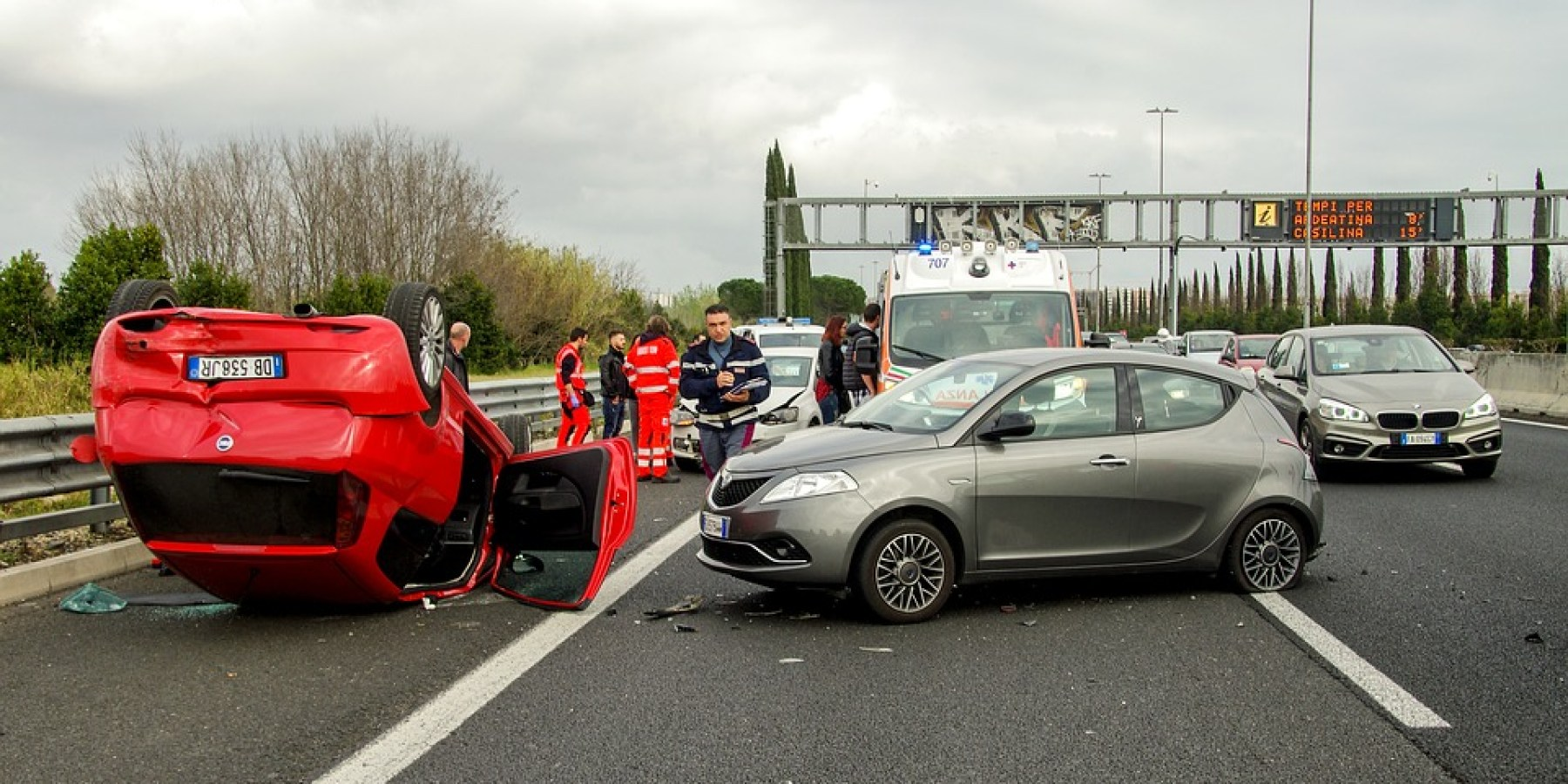 Unfall auf A 1  – fünf Personen teils schwer verletzt