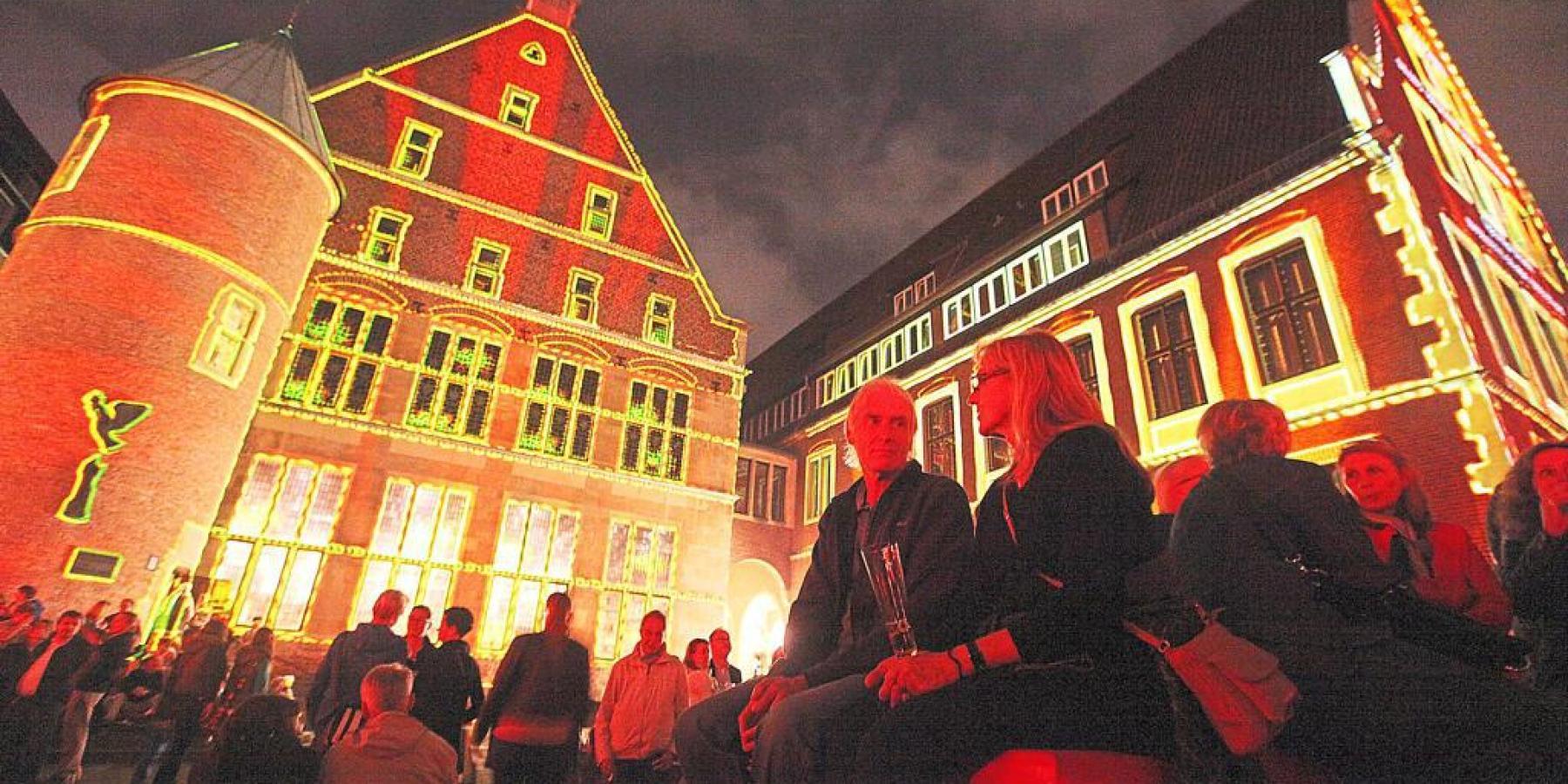 Roter Platz, Riesen-Geburtstagstorte, grüne Parkplätze und gratis Kunstgenuss