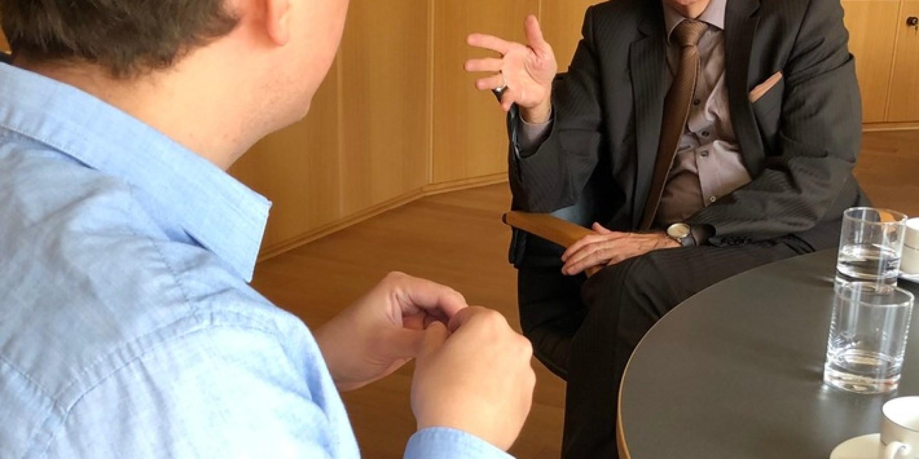 Grünen-Sprecher Stephan Orth besucht Polizeipräsident Kuhlisch