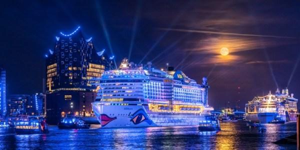 Spektakuläres Highlight auf der Elbe am zweiten Tag des Events