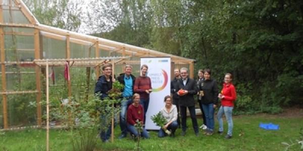 Neues Gewächshaus im Campus-Garten