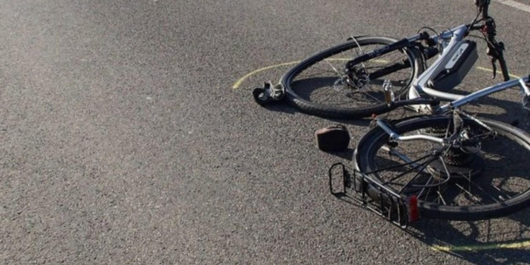 Radfahrerin nach Abbiegeunfall leicht verletzt – Pkw-Fahrer flüchtet
