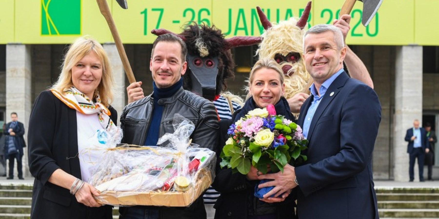 Katharina Schulze ist die 100.000. Besucherin der Grünen Woche