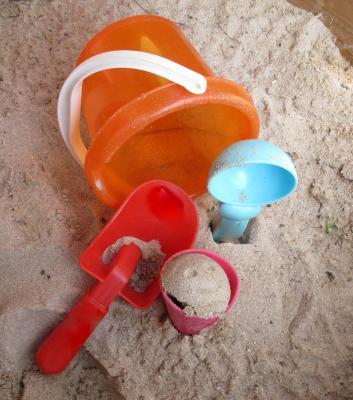Ab nach draußen! Spielzeug und Spiele für Garten, Straße und Planschbecken