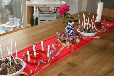 Geburtstagstafel in rot für Kinder